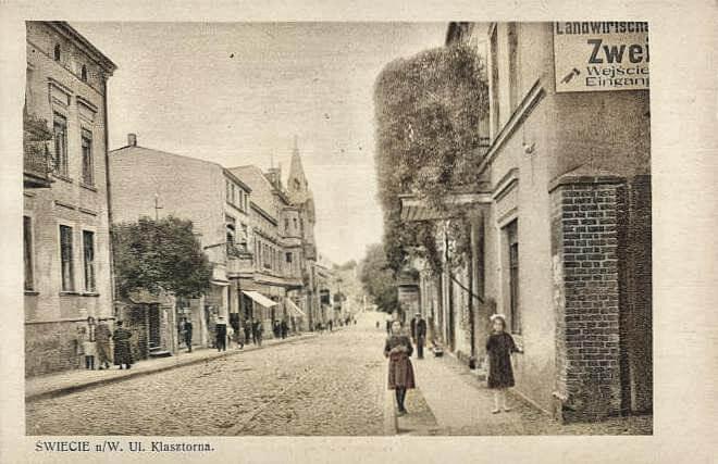 Świecie Klasztorna widok z przed synagogi