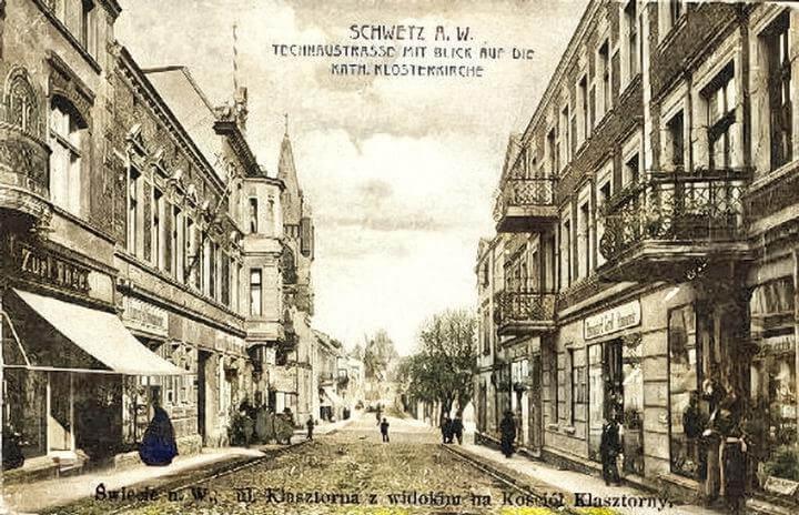 Klasztorna przed wejsciem na Duży Rynek