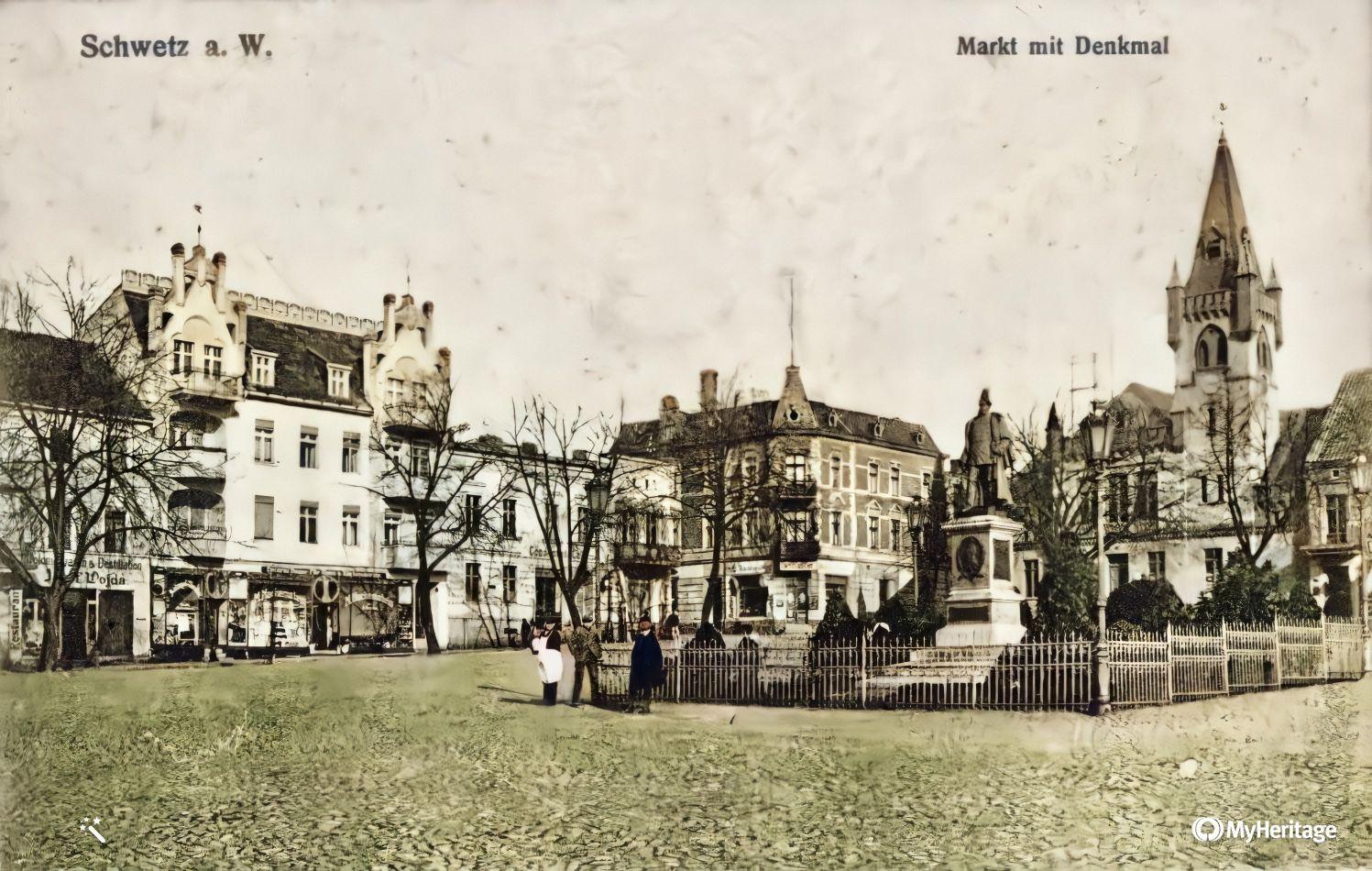 Duży Rynek Markt mit Denkmal